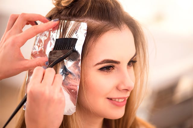 ¿Cada cuánto es recomendable teñir el cabello para no dañarlo?