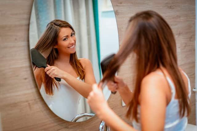 Cuidados para el cabello: ¿Cómo tratar la caspa?