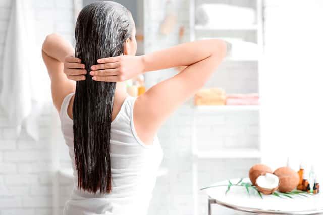 Utiliza henna para tinturar tu cabello