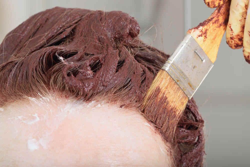 Henna para cubrir canas