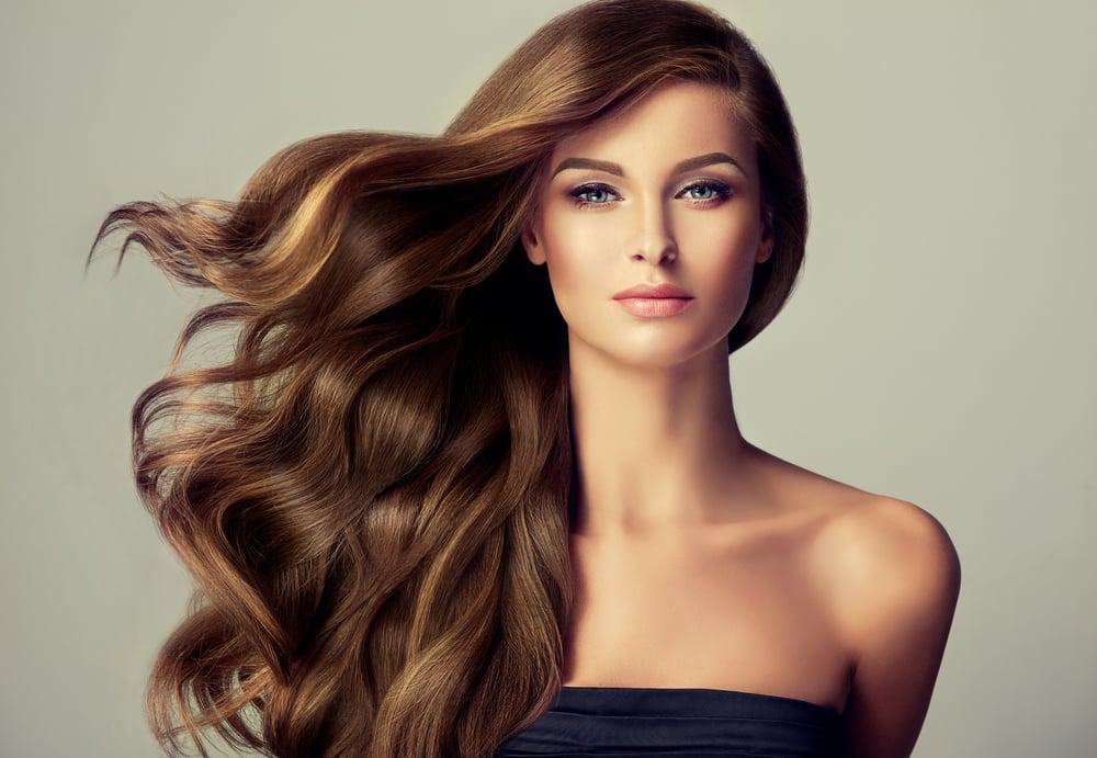 elegir el corte de cabello y el tono ideal