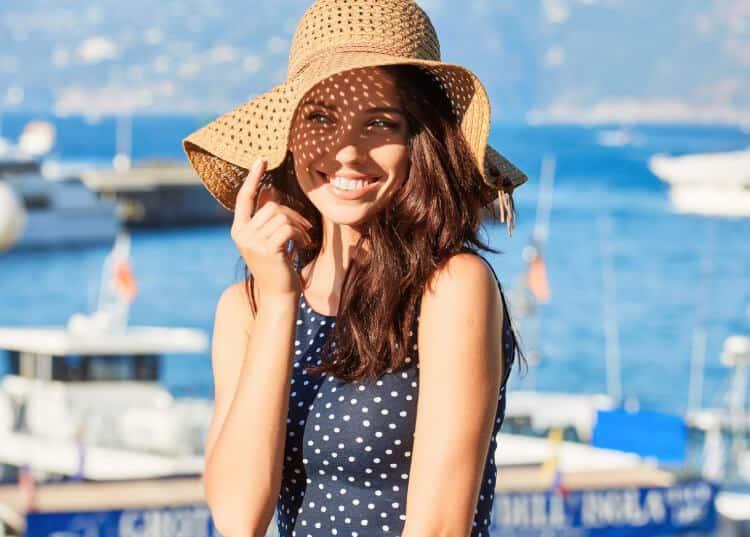 Protege tu cabello del sol y evita la resequedad
