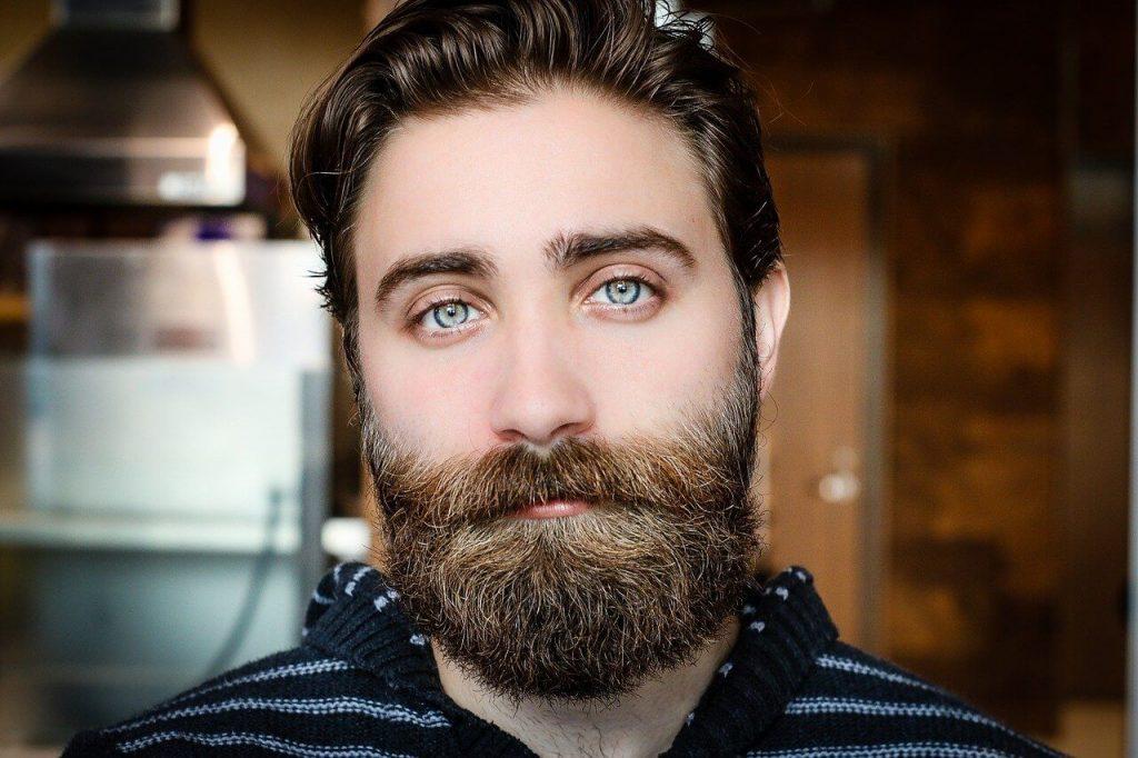 Ventajas de tinturar una barba con henna